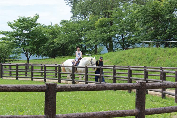 Koriyama Ishiniwa Fureai Bokujo (Pasture Park)