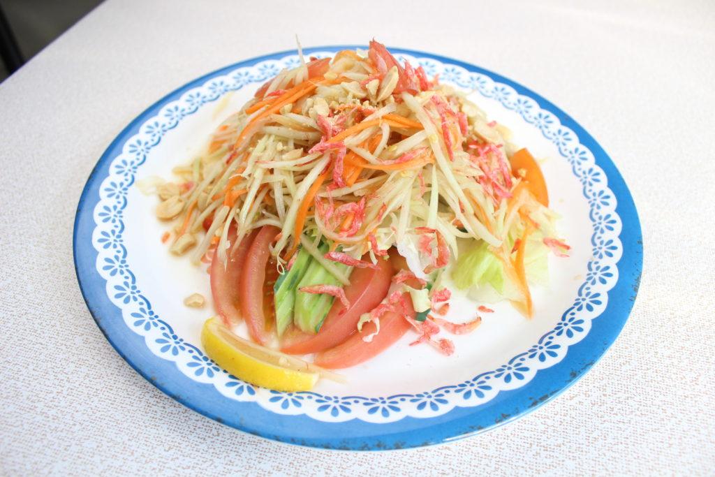 ソムタム(青パパイヤのサラダ)