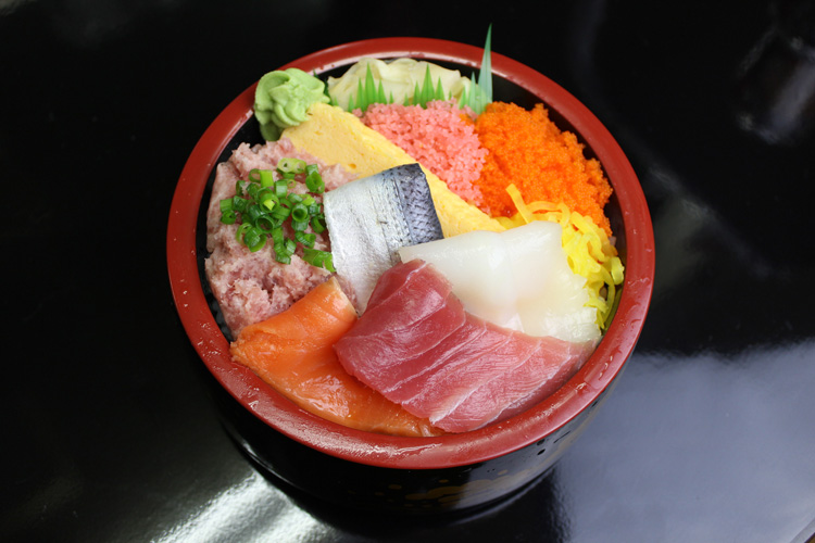 Manpuku-don (with large size rice as exception): 500 JPY (Tax Excluded)