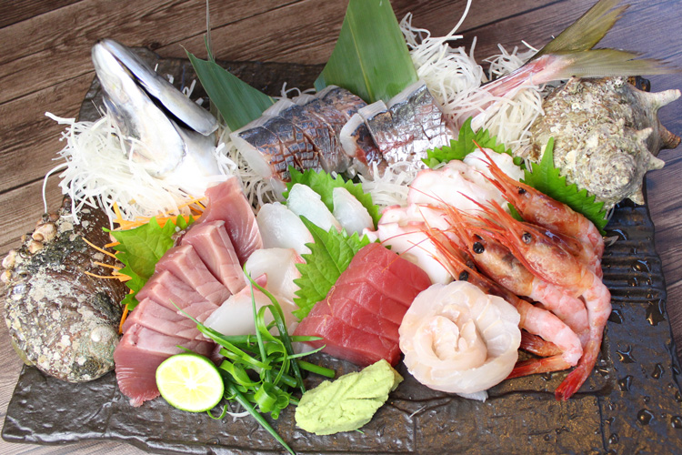 Sashimi Moriawase (Assorted Sashimi Platter) 5 servings: 5,000JPY (Tax Excluded)