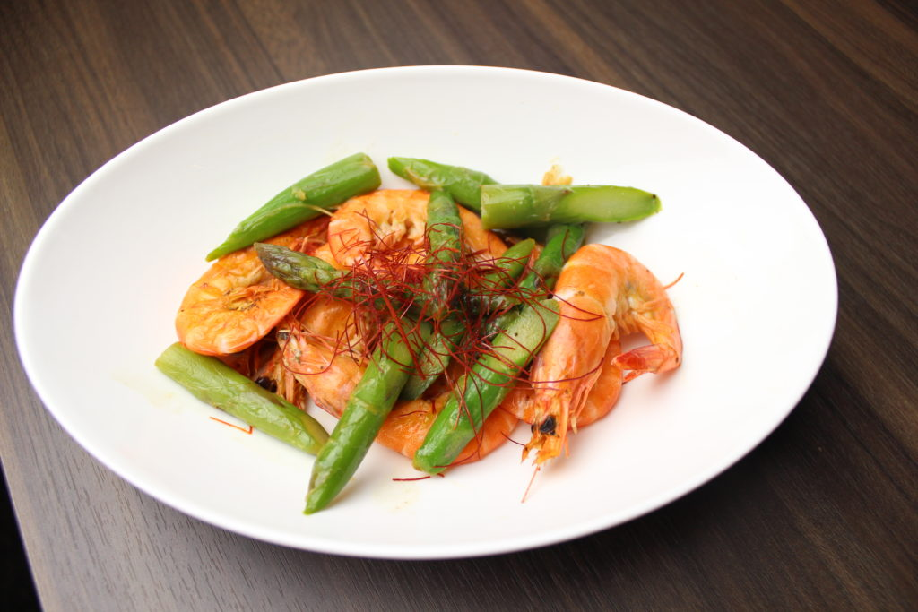 Butter Sautéed Soft-shell Shrimp: 800 JPY (Tax Excluded)