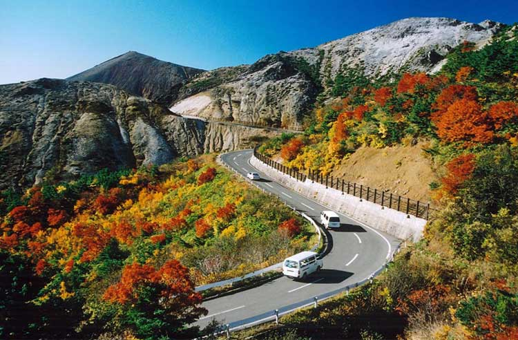 Bandai Azuma Skyline (Scenic Sightseeing Road, Popular especially in Autumn)